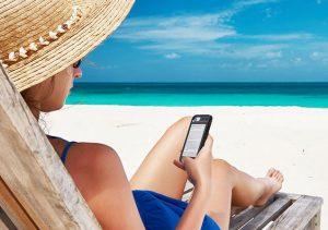 E-reader op het strand