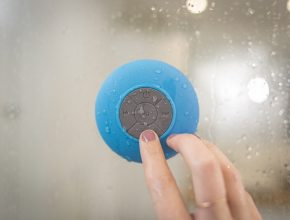 Bluetooth speaker onder de douche