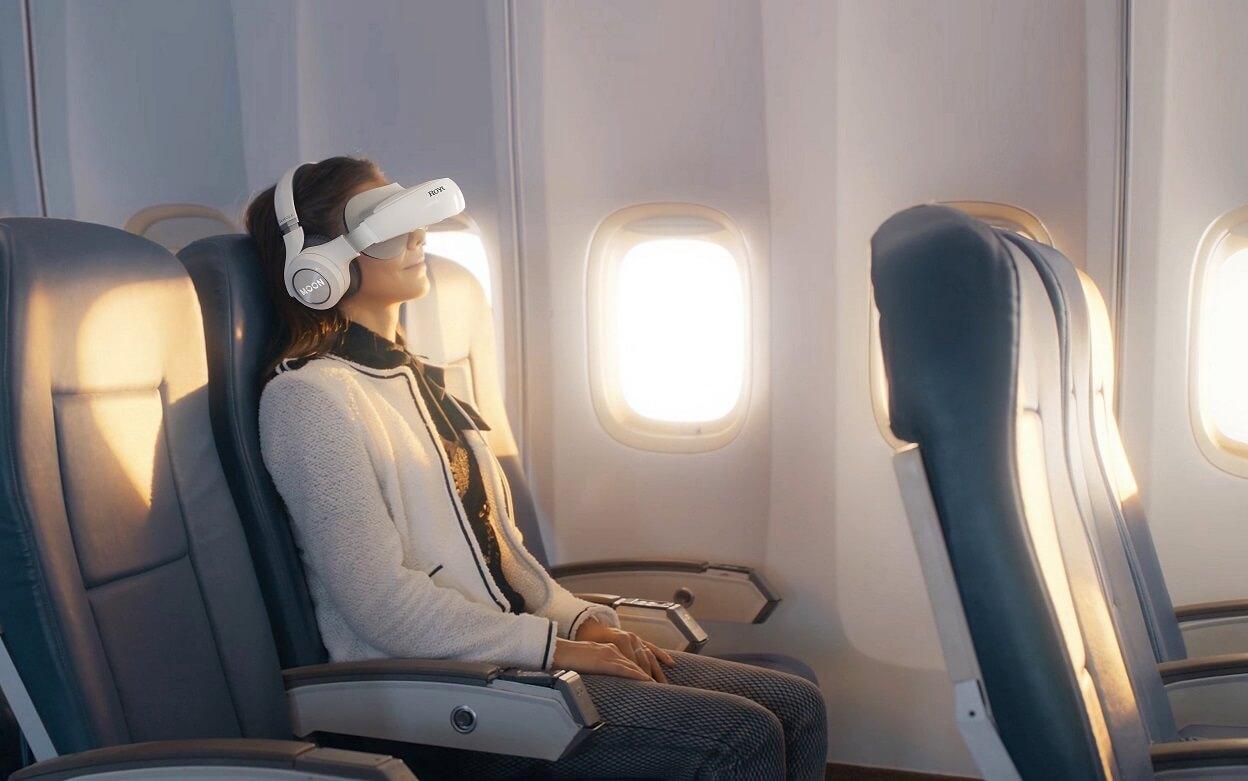 Royole the Moon film in het vliegtuig